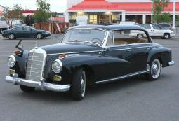 Mercedes Benz classic car in black photos.jpg