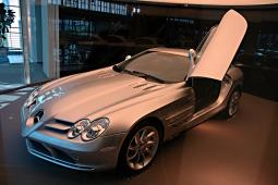 Mercedes Mclaren SLR in silver photos.jpg