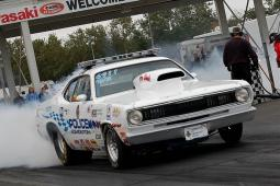 white 1972 Plymouth at Castrol Raceway.jpg