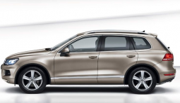 2011 Volkswagen Touareg_Volkswagen family car picture.PNG