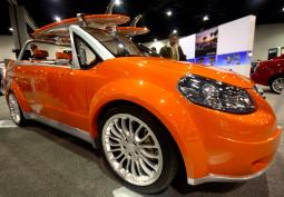 Bright orange Suzuki Concept car photos.jpg