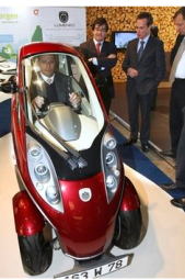 A cockpit of a one-seat Lumeneo car at the European Motor Show in Brussels.PNG