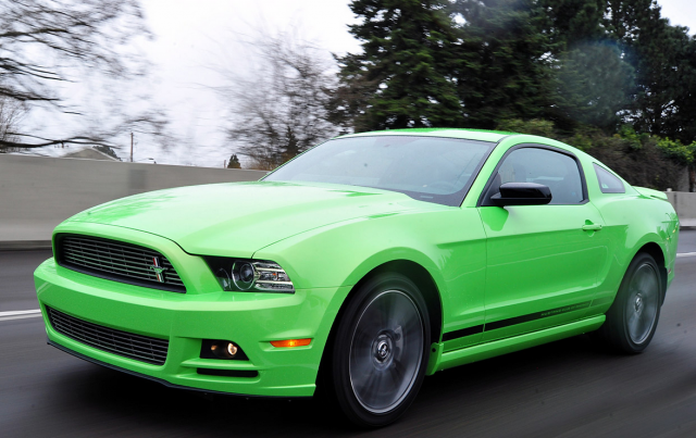 2013 Ford Mustang Green.PNG