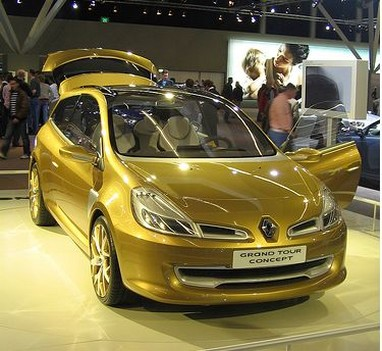 Gold Renault Concept Car photo.jpg